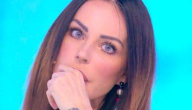 """Nina Moric in isolamento, la confessione sui social: """"Non mi sento molto bene"""""""