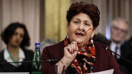 """Photo of Coronavirus, il ministro Teresa Bellanova: """"Chi prende reddito o sussidi lavori nei campi"""""""