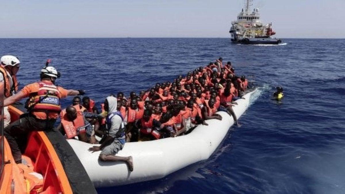 """Photo of Coronavirus, Borrelli """"Individuate le strutture per la quarantena dei migranti appena sbarcati"""""""