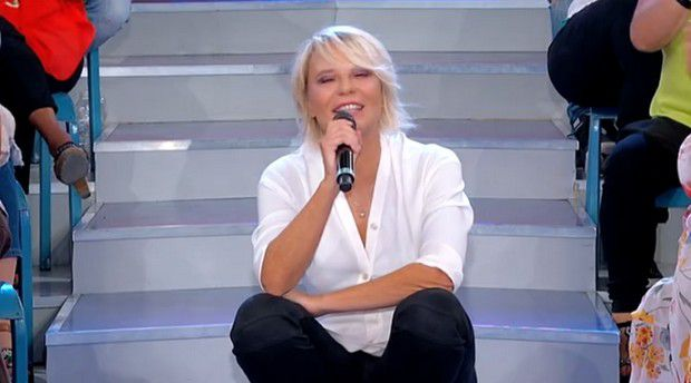 Photo of Raffaella Mennoia svela che Uomini e Donne torna in Tv: la data