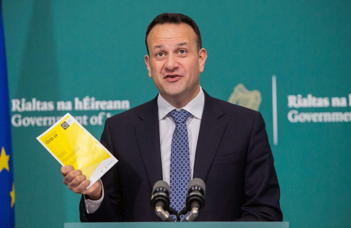 Photo of Emergenza coronavirus, il premier irlandese torna a fare il medico