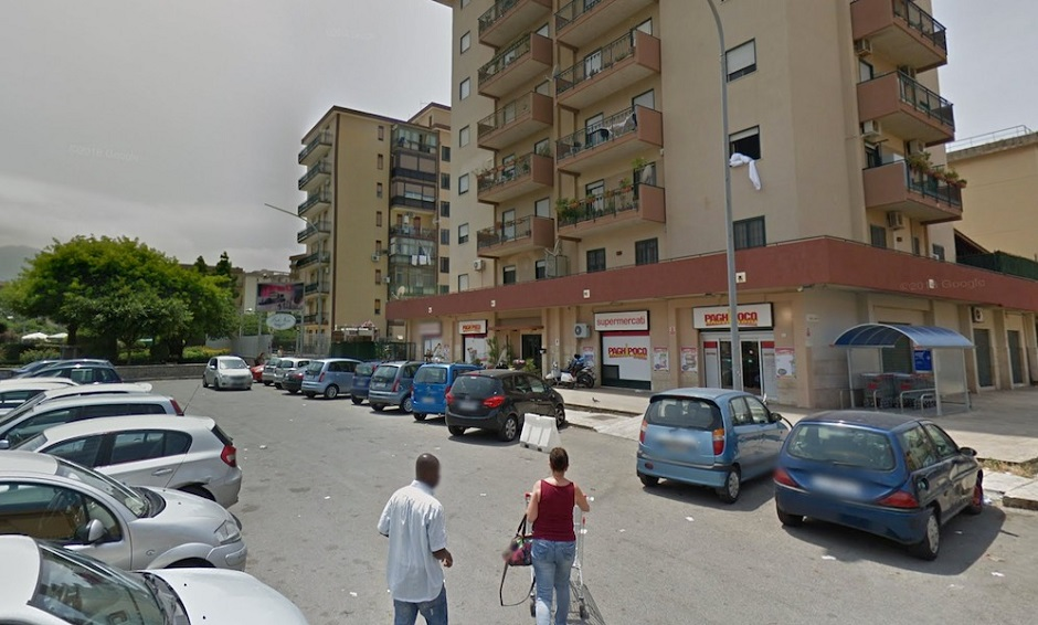 Photo of Paura a Palermo, assalto in mascherina al supermercato: sotto sequestro commessi e clienti