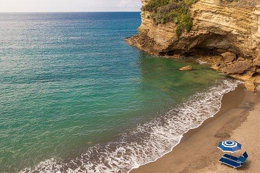 estate-coronavirus-spiagge-numero-chiuso