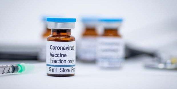 coronavirus-moderna-test-vaccino-uomo-positivi