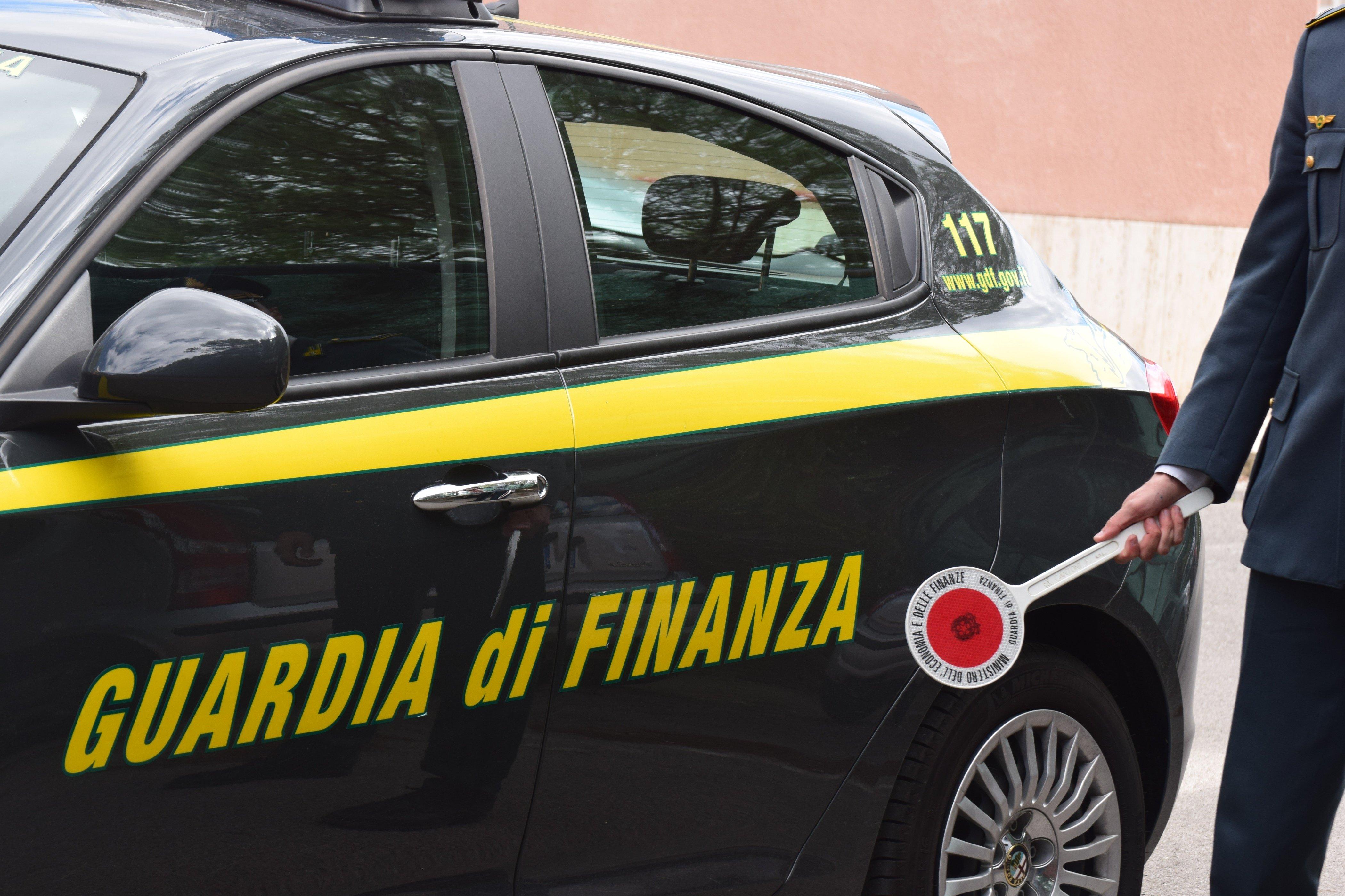 Colonnello della Guardia di Finanza arrestato per truffa e peculato
