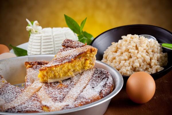 gastronomia fellata tortano casatiello pastiera grano riso