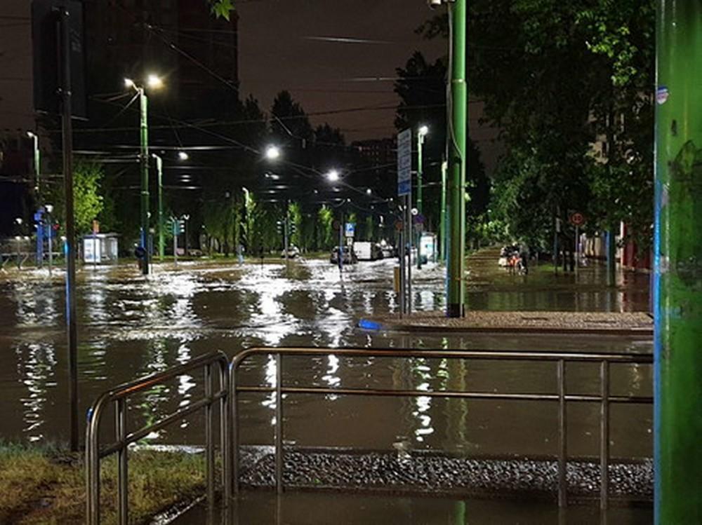 milano-esondato-fiume-seveso-temporali-maltempo