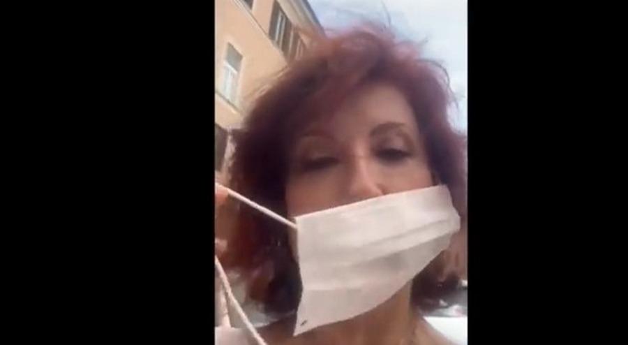 alda-d-eusanio-multata-mascherina-guardia-finanza
