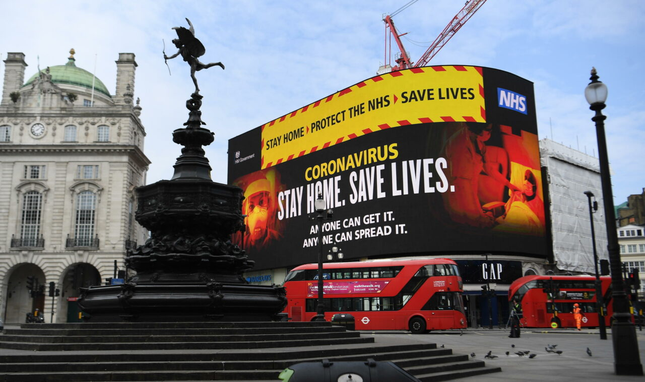 Photo of Coronavirus in Regno Unito: gli esperti stimano oltre 40mila morti