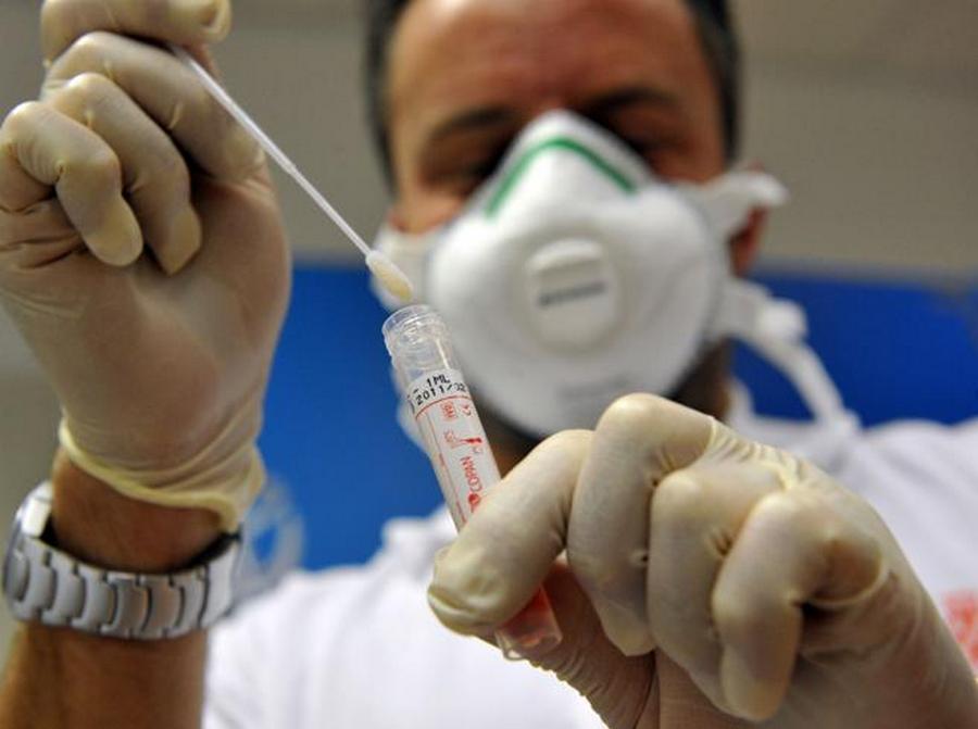 aereo-cagliari-positivo-coronavirus-40-persone-isolamento