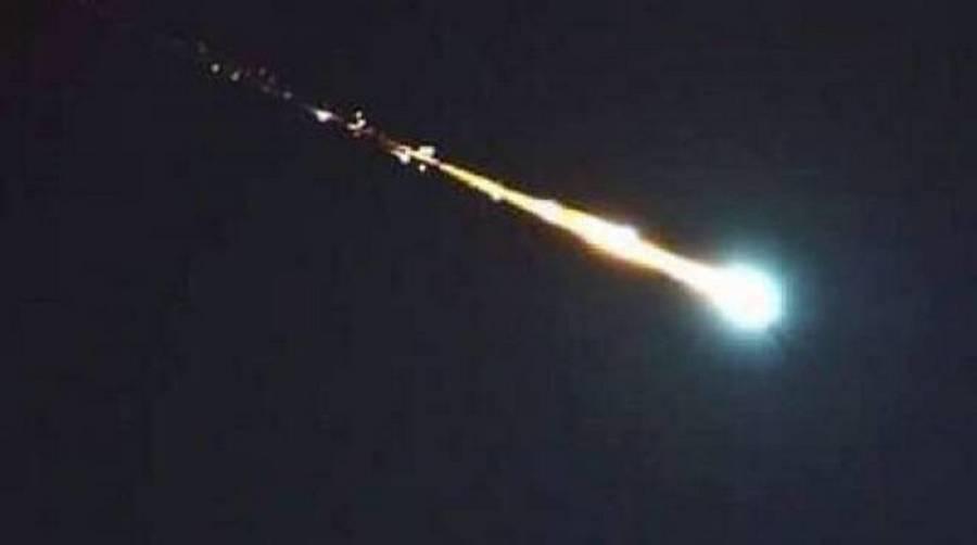 Photo of Enorme meteorite illumina il cielo del Sud Italia nella notte: molte le segnalazioni