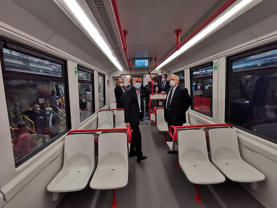 nuovi-treni-eav-campania-17-giugno
