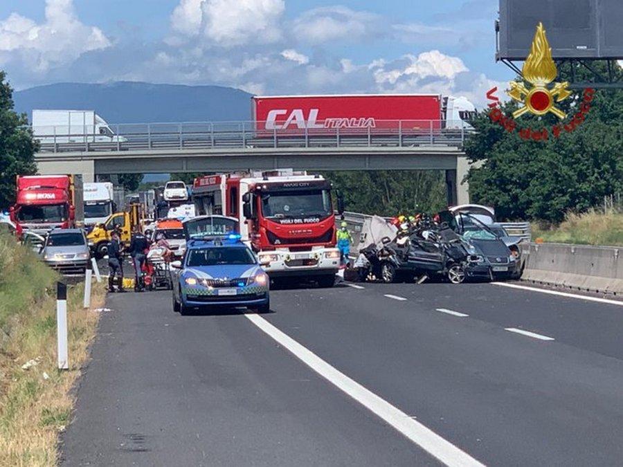 incidente-autostrada-arezzo-morti-bambini-5-giugno