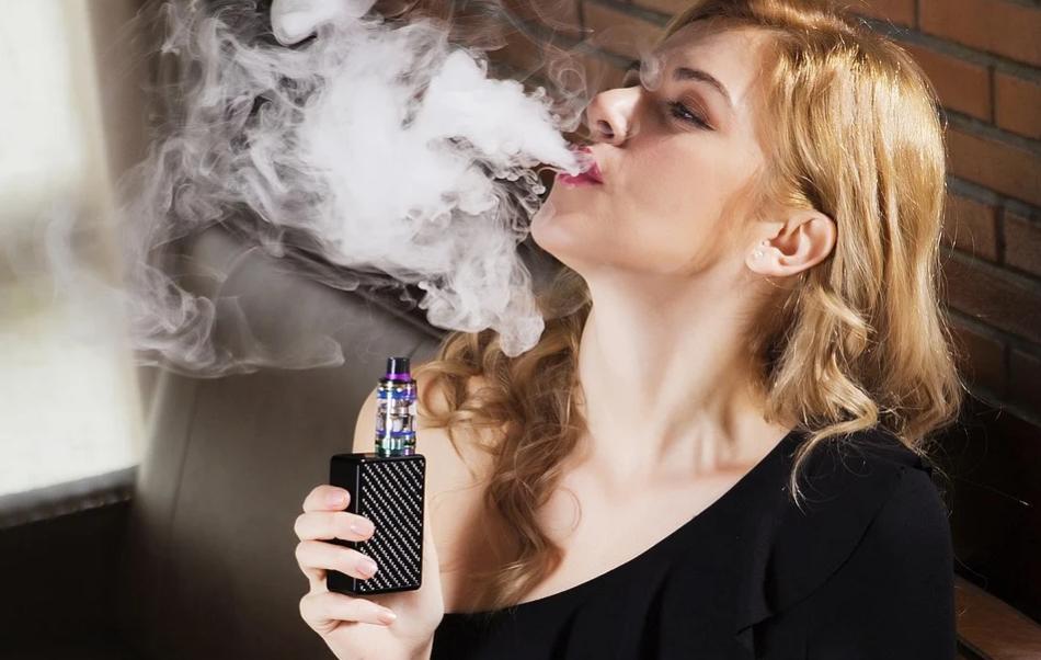 sigaretta-elettronica-liquido-danni-bocca