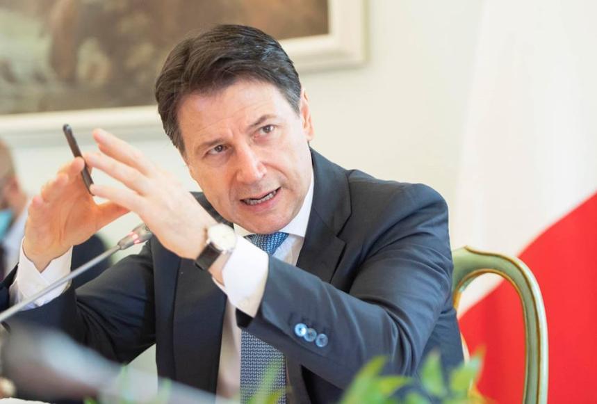 """Photo of Stato d'emergenza, Conte fa chiarezza: """"Senza la proroga gli aiuti cadrebbero"""""""