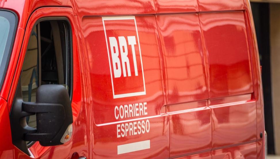 Photo of Focolaio alla Bartolini, 370 tamponi effettuati: il contagio partito dal magazzino della sede di Roveri