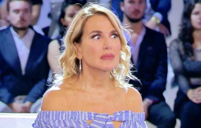 """Photo of """"Ci presimo un panino e ci misimo in macchina"""": l'orrore grammaticale di Clizia Incorvaia a Live Non è la D'Urso"""