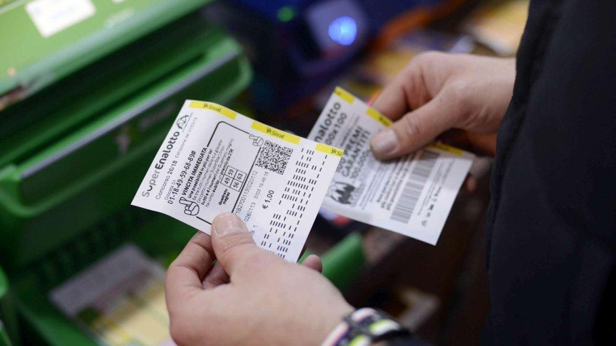 Estrazioni Superenalotto e Lotto, ecco i numeri vincenti ...