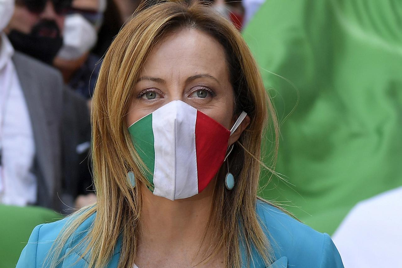 centrodestra-piazza-meloni-protesta