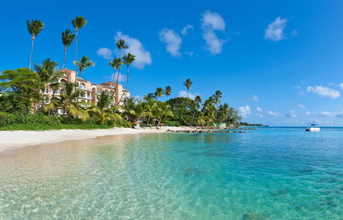 Photo of Smart working alle Barbados: un permesso di soggiorno di 12 mesi per lavorare da lì