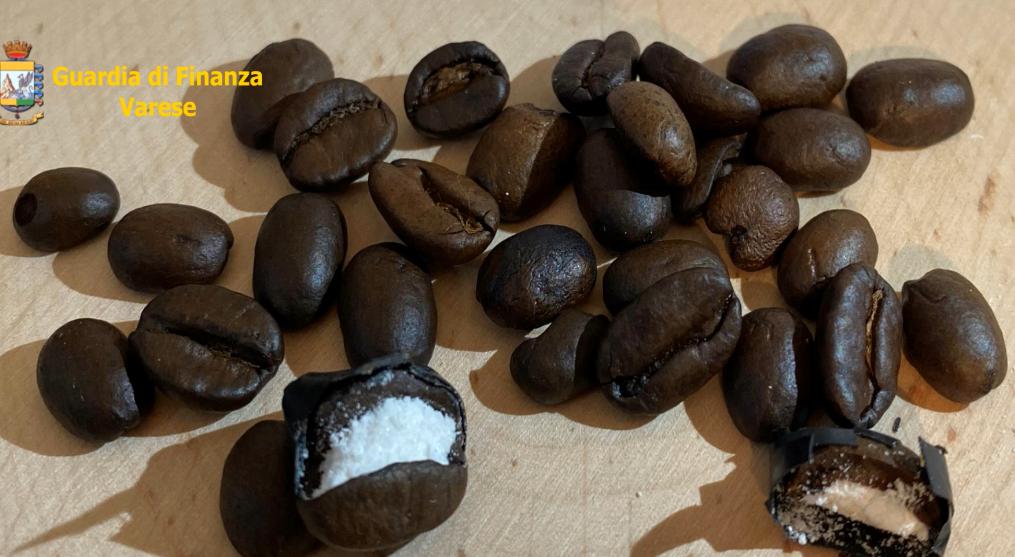 cocaina-nascosta-chicchi-caffè-varese