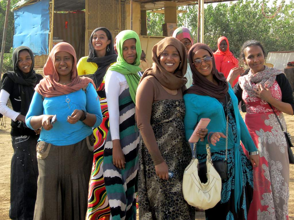 Photo of Sudan: vietate mutilazioni genitali femminili e autorizzato alcol per non musulmani