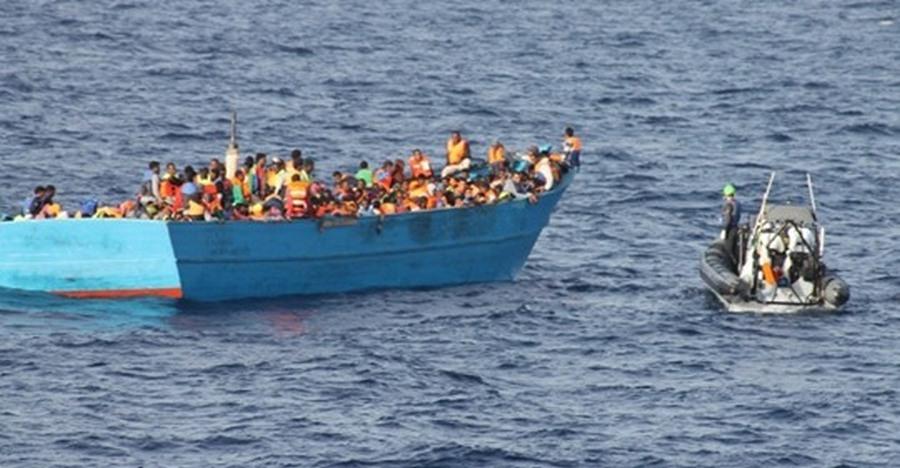 """Photo of Migranti, a Lampedusa il sindaco dichiara lo stato d'emergenza: """"Situazione ingestibile"""""""