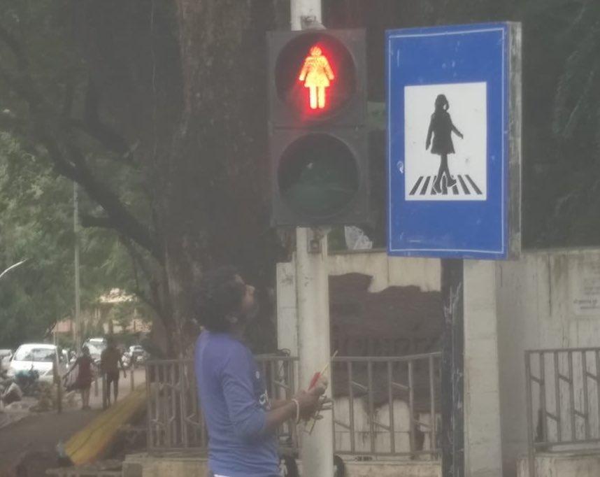 Photo of India: sagome femminili nella segnaletica stradale per combattere per la parità di genere