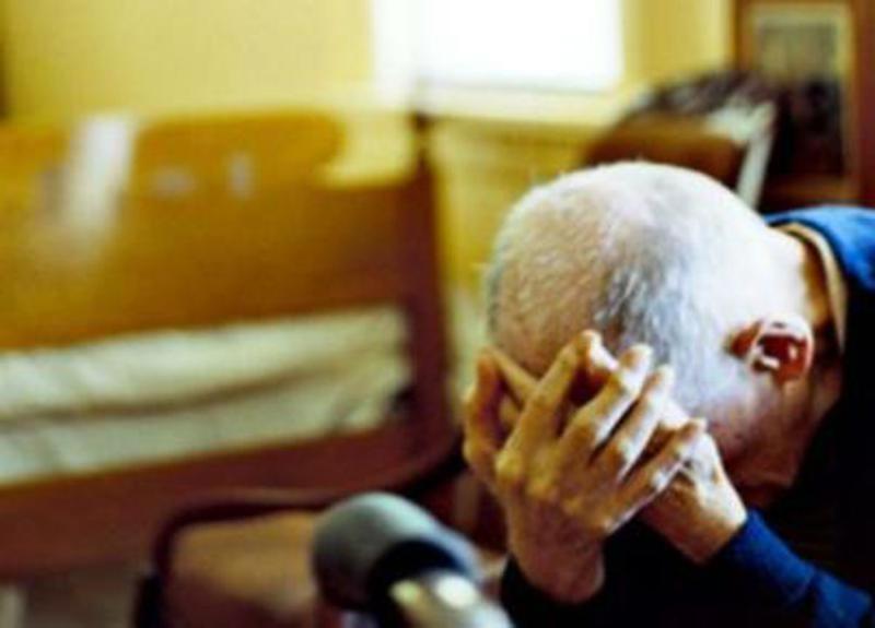 Photo of Torino, badante avvelena anziano con liquido antigelo: si era fatta intestare la casa