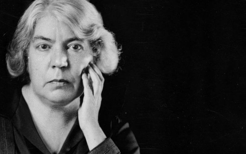 Photo of Grazia Deledda, una delle più influenti scrittrici italiane del XX secolo