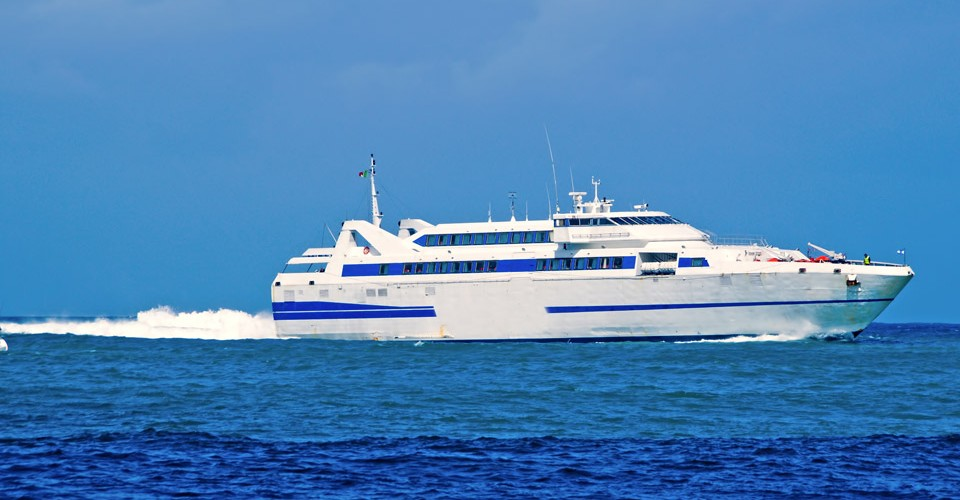 """Photo of Mascherine obbligatorie sui traghetti, De Luca: """"Servono le forze dell'ordine"""""""
