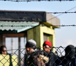 bergamo-migranti-bus-tolgono-posto-studenti-proposta-lega