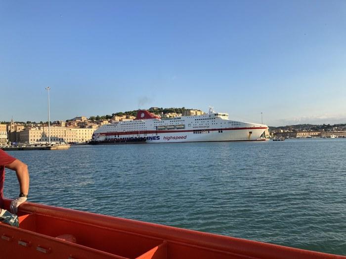 migrante-morto-traghetto-ancona-grecia-6-settembre