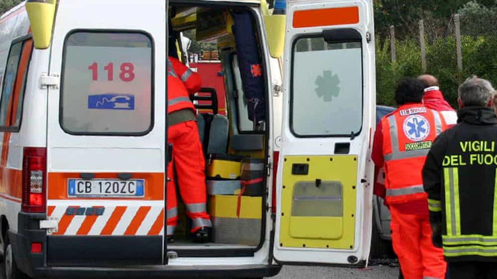 Photo of Capovalle, auto precipita in una scarpata: fratello e sorella trovati morti tra le lamiere