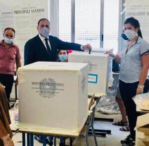elezioni-campania-sindaci-amministratori-voto-foto