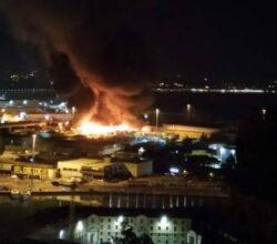 incendio-porto-di-ancona