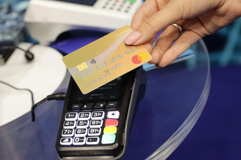 """Photo of Bonus """"Cashback"""", un incentivo da 300 euro per chi paga con carte di credito"""