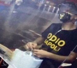 edicola-maglietta-odio-napoli-edicolante-rifiuta-servire