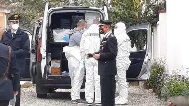 Photo of Torino, donna uccisa in casa a coltellate: fermato il figlio