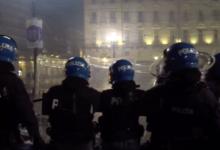 Photo of Proteste contro le misure anti Covid: disordini anche a Genova