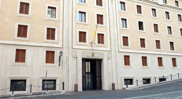 Covid-19, nuovo contagio in Vaticano: è nella residenza del Papa