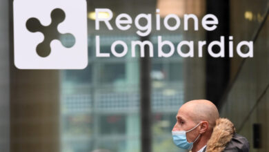 Photo of Coronavirus in Lombardia: 3.570 nuovi positivi con 14mila tamponi in meno. Il bollettino del 26 ottobre