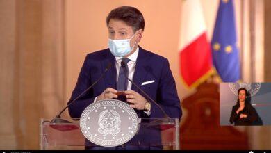 """Photo of """"La conferenza di Conte è registrata"""": la bufala sull'orologio del premier"""