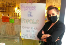 """Photo of Lombardia: la protesta della barista bresciana: """"io non chiudo alle 18, arrestatemi"""""""