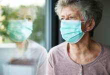 coronavirus-isolamento-anziani-riduce-mortalita-studio-ispi