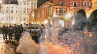 Photo of Proteste anti-Dpcm da nord a sud: scontri a Milano, Torino e Napoli