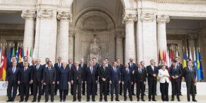Treaty_of_Rome_anniversary_group_photograph_2017-03-25_03