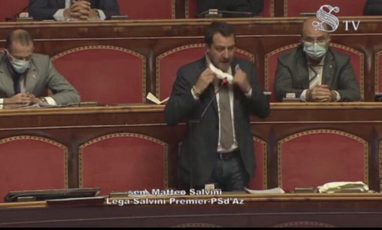 salvini-toglie-mascherina-senato-protesta