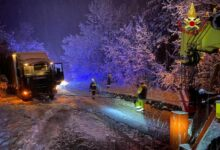 maltempo-bologna-camion-bloccati-neve-recuperati-vigili-fuoco
