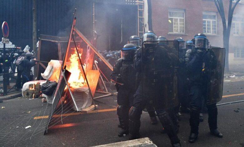 Scontri alla manifestazione di Parigi, almeno 22 fermi
